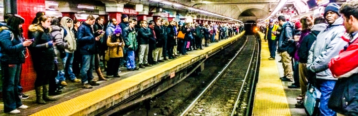 Crowded_Red_Line_platforms_at_Park_Street,_February_2014