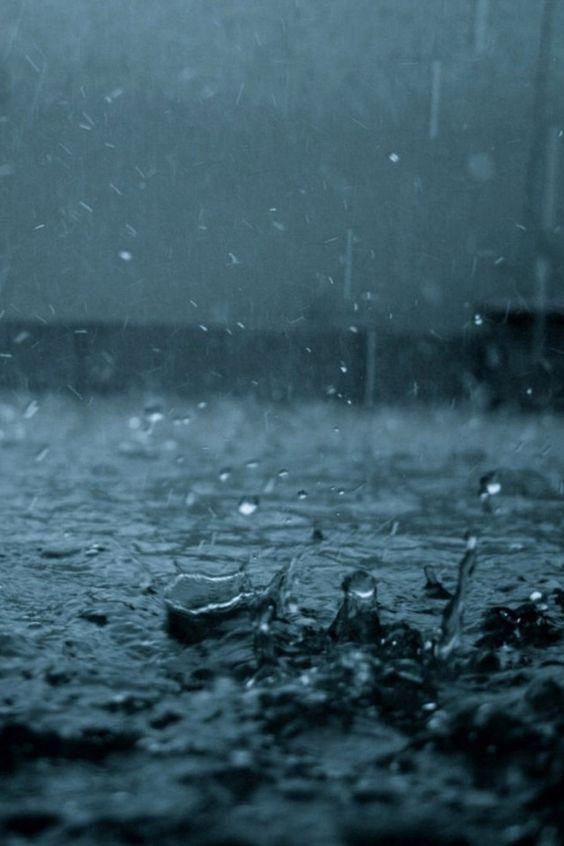THE-BOLD-MOM_rain_paul