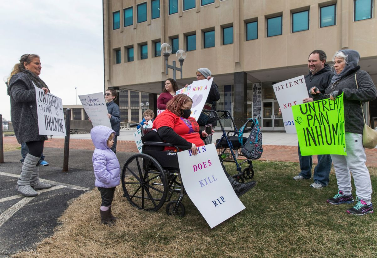 Chronic pain patients rally, refuse to 'suffer in silence' | Local News | dailyprogress.com